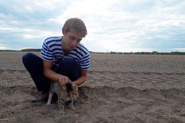 Mattias Kriedel, einer unserer Unterstützer der ersten Stunde, auf den zukünftigen KoLa-Flächen in Plösitz bei Taucha. Foto: KoLa Leipzig
