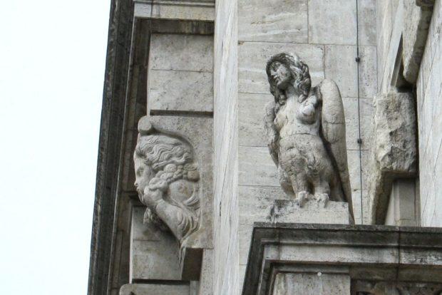 Sangesfreude am Neuen Rathaus zu Leipzig. Foto: Ralf Julke