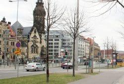 Der Übergang zur Haltestelle Goerdelerring am Richard-Wagner-Platz. Foto: Ralf Julke