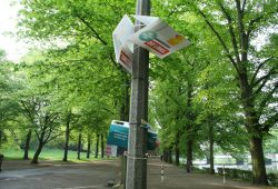 Wahlplakate im Clara-Park. Foto: Ralf Julke