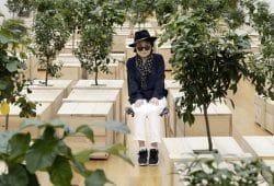 """Yoko Ono in der Ausstellung """"PEACE is POWER"""". Foto: MdbK Leipzig"""