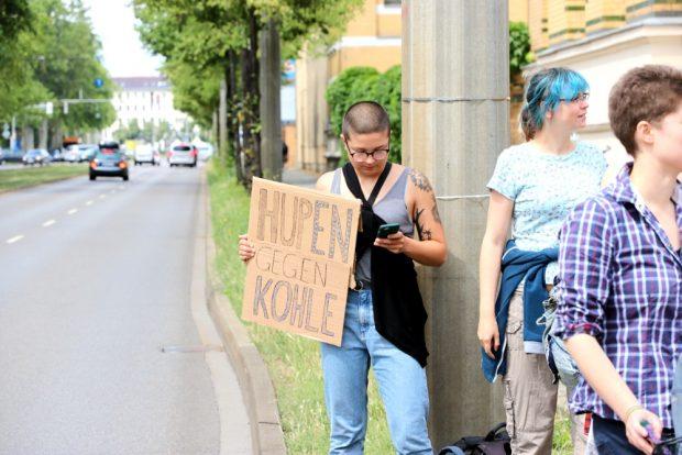 Hupen gegen die Kohle - eine Parallelaktion. Foto: L-IZ.de