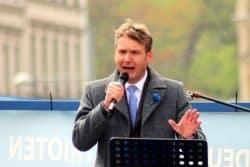 """Möchte wahnsinnig gern mal in der Connewitzer Brandtstraße nahe dem """"Linxxnet"""" eine Rede halten. André Poggenburg vom ADPM (hier am 1. Mai auf dem Simsonplatz). Foto: L-IZ.de"""