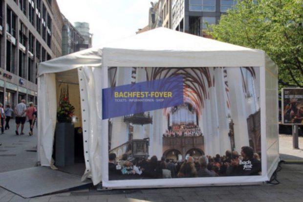 Das Bachfest-Ticketzelt in der Petersstraße, Archivbild. Foto: Bachfest Leipzig, Sandra Schmidt