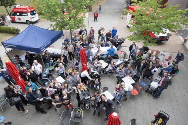 Eine schöne Tradition geworden ist das jährliche Frühchenpicknick am UKL, zu dem wie hier im Vorjahr immer etwa 100 Frühchen mit ihren Eltern aus ganz Sachsen kommen. Foto: Stefan Straube / UKL