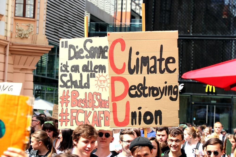AfD und Union – Für Fridays for Future beides keine Partner, wenn es um die Meisterung des Klimawandels geht. Foto: Michael Freitag