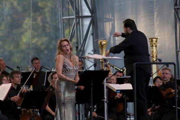 Sopranistin Kristine Opalais und Dirigent Andris Nelsons. Foto: Alexander Böhm