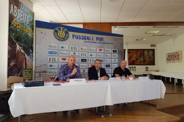 Wolfgang Wolf (re.) ist seit Juni neuer Sportdirektor beim 1. FC Lok. Foto: Marko Hofmann