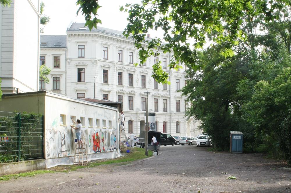 Hier am Poniatowskiplan soll das letzte Stück Elstermühlgraben freigelegt werden. Foto: Ralf Julke