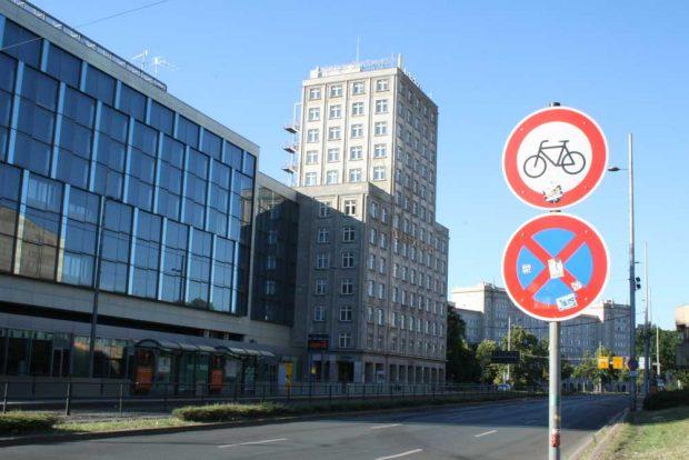 Radfahren verboten. Foto: Ralf Julke