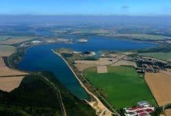 Störmthaler See mit Magdeborner Halbinsel in der Bildmitte. Foto: LMBV