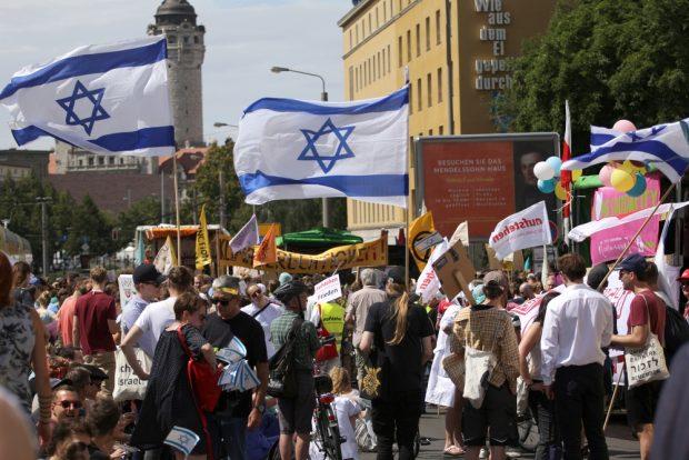 Die Deutsch-Israelische Gesellschaft hatte ebenfalls zur Demonstration mobilisiert. Foto: Alexander Böhm