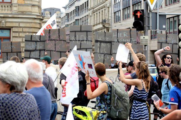 Die Partei baut jetzt schon eine Mauer für Leipzig. Foto: Alexander Böhm