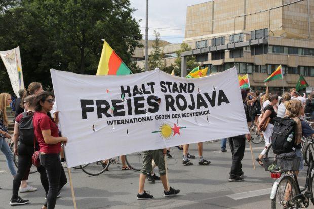 Freies Rojava. Foto: Alexander Böhm
