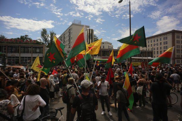 Kurdische Unterstützer. Foto: Alexander Böhm
