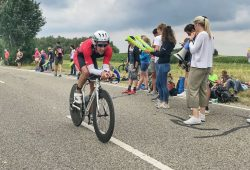 Marc Werner radelt während der Challenge Roth seiner Traumzeit entgegen. Foto: Kenneth Warmuth