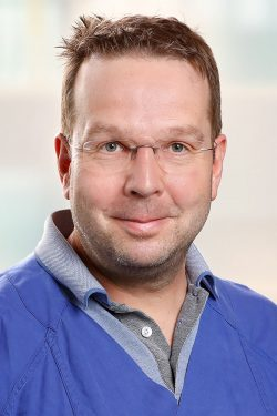 Dr. med. Peter Lübke, Leiter des Departments für Gefäßmedizin und Wundversorgung an der Helios Klinik Leisnig, ist renommierter Experte in der Versorgung chronischer Wunden. Foto: HPK