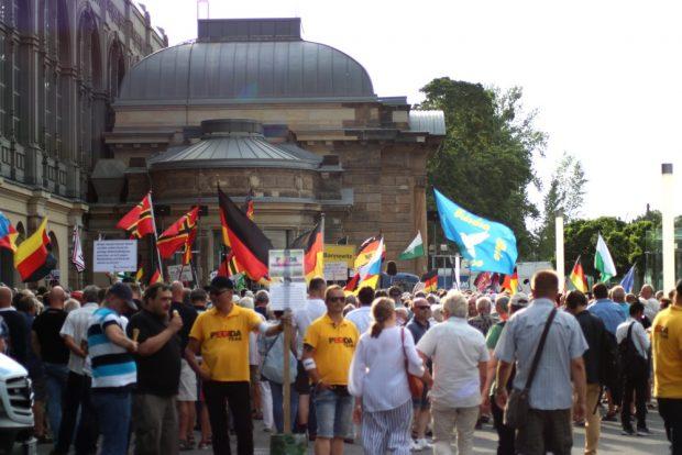 Pegida am 1. Juli 2019 am Dredner Haupbahnhof. Foto: L-IZ.de