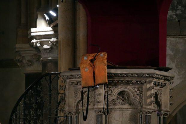 Rettungsweste als Symbol für die Auswirkungen von Krieg. Foto: Alexander Böhm