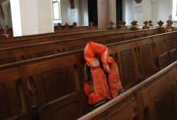 Rettungswesten von Mission Lifeline in Leipziger Kirchen. Ev.-Luth. Kirchenbezirk