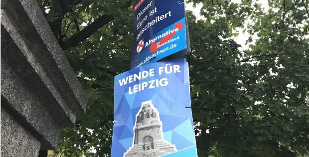 Wahlwerbung der AfD. Von Bildung keine Spur, dafür die Wende vom Leipziger Ring ans Völkerschlachtdenkmal verlegt. Foto: Michael Freitag