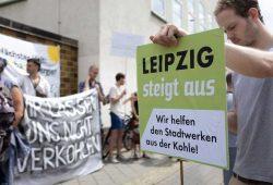 BUND-Demo am 2. Juli vorm Sitz der Stadtwerke Leipzig. Foto: BUND Leipzig