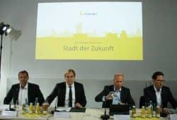 Pressesprecher Frank Viereckl, OBM Burkhard Jung und die SWL-Geschäftsführer Karsten Rogall und Maik Piehler. Foto: Ralf Julke
