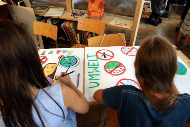 Am 7. Augst 2019 malten, stempelten und gestalteten die Kinder ihre Vorstellungen zur Zukunft. Foto: L-IZ.de
