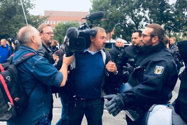 Als die Presse am 1. September in Chemnitz ihre Arbeit aufnehmen will ... Foto: L-IZ.de