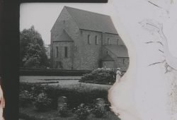 """Zersetzungsschäden an der historischen 35mm-Filmkopie von """"800 Jahre Borna"""" (1938) wurden im Rahmen des Programms zu Sicherung des audio-visuellen Erbes in Sachsen digital restauriert. © Museum der Stadt Borna"""