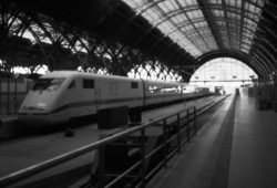 Fluchtpunkt Hauptbahnhof. Foto: Sighard Gille