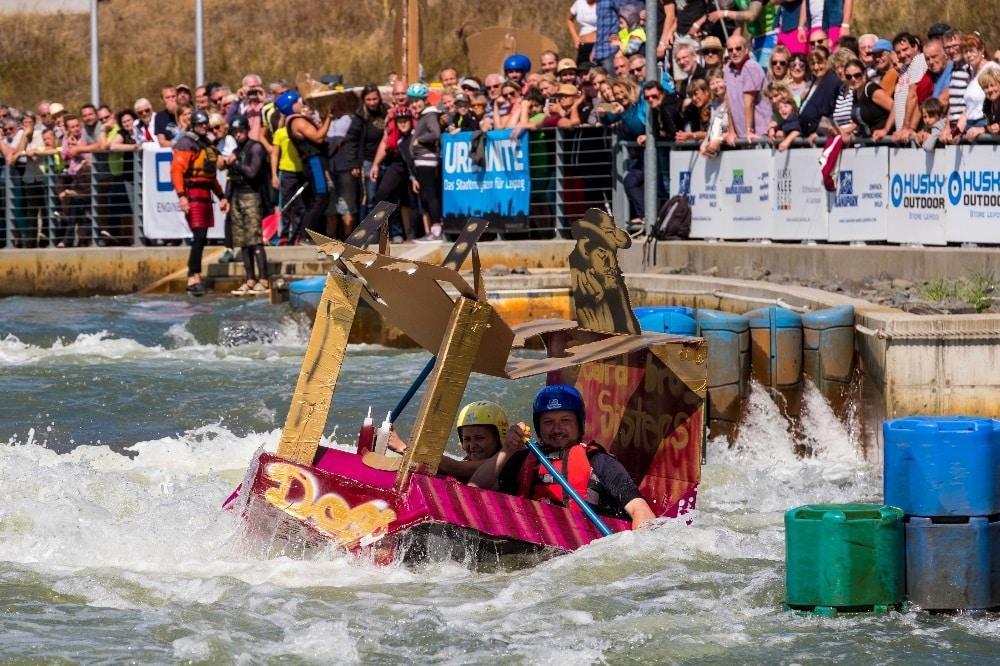 Pappbootrennen 2018. Quelle: Kanupark Markkleeberg