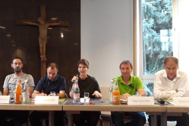 Wahlforum in Schönefeld mit Moderatorin Antonie Rietzschel. Foto: René Loch