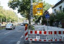 Das Schild mit dem Hinweis zur A14 kurz vor der Kommandant-Prendel-Allee. Foto: Ralf Julke