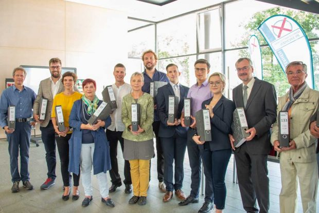 """Die Vertreter des Bündnisses """"Gemeinschaftsschule in Sachsen"""" im Sächsischen Landtag. Foto: Bündnis """"Gemeinschaftsschule in Sachsen"""""""