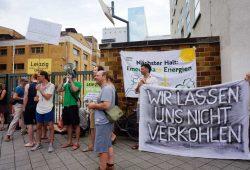 BUND-Protest vor dem Kraftwerk der Stadtwerke Leipzig in der Eutritzscher Straße. Foto: BUND Leipzig