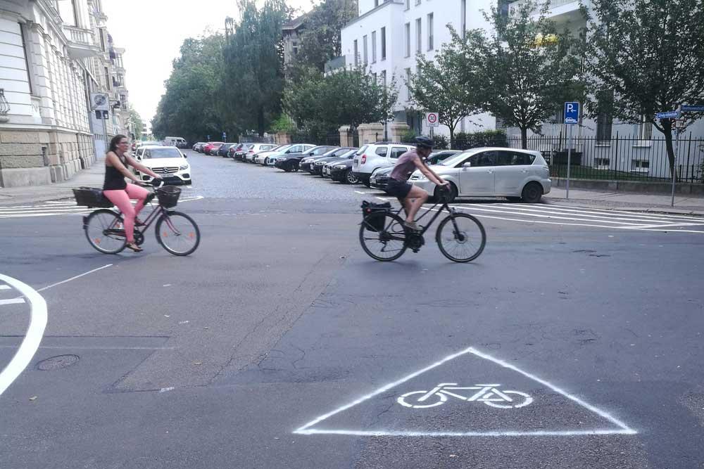 Deutlicher Hinweis auf die Fahrradstraße in der Beethovenstraße. Foto: #LucynPierre