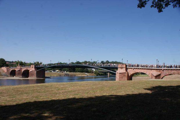 Einweihung der rekonstruierten Pöppelmannbrücke 2012. Foto: Stadt Grimma