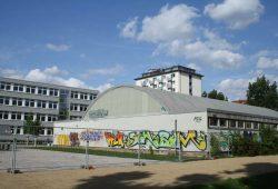Die alte Sporthalle der 3. Grundschule an der Arthur-Hoffmann-Straße. Foto. Ralf Julke