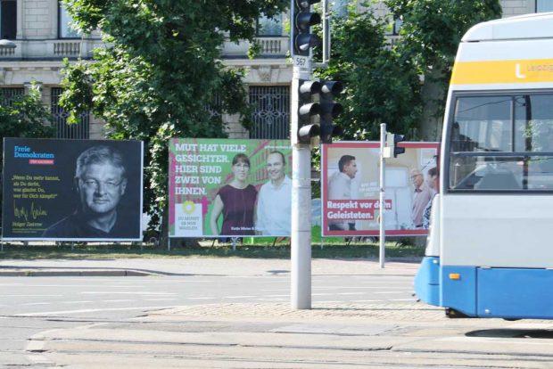 Wahlplakate an der Petersstraße. Foto: Ralf Julke