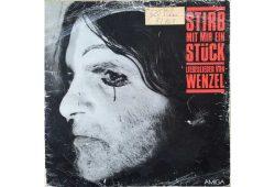 """Schallplatte mit Liebesliedern von Hans-Eckart Wenzel """"Stirb mit mir ein Stück"""". Foto: Ulf Richter"""