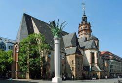 Nikolaikirche und Nikolaisäule. Foto: Andreas Schmidt