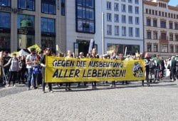Etwa 650 Personen nahmen am ersten Animal Liberation March in Leipzig teil. Foto: René Loch