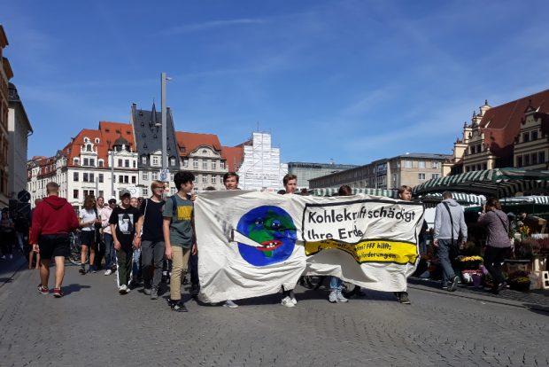 Etwa 50 Personen beteiligten sich an der Demonstration. Foto: René Loch