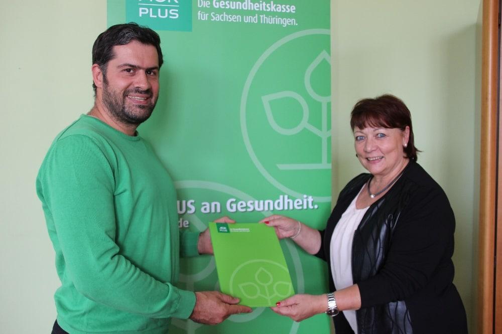 Kristina Winter und Karsten Günther bei der Vertragsunterzeichnung. Foto: Bernd Lemke