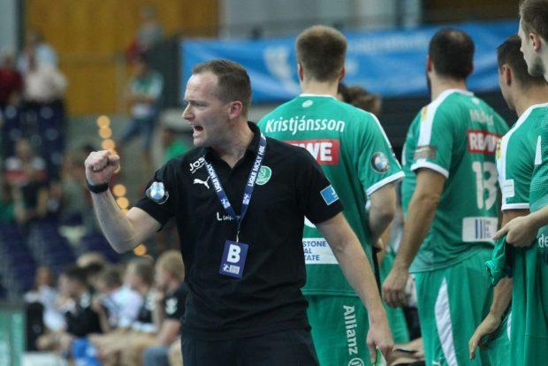 Siegerfaust. DHfK-Trainer André Haber war happy über den Sieg seiner Jungs. Foto: Jan Kaefer