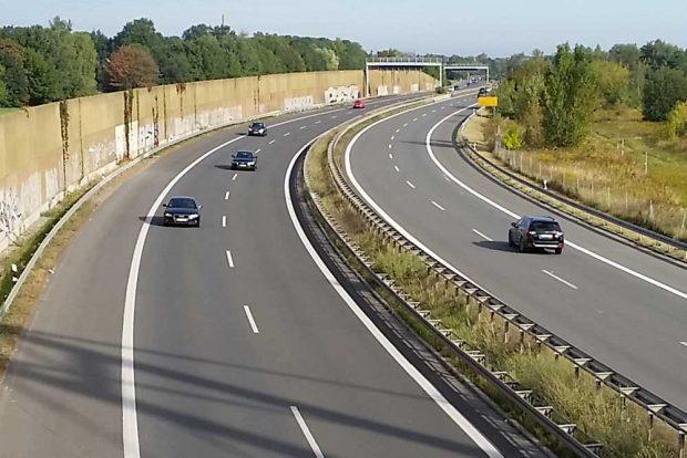 Viel Platz für Autos: B2 bei Markkleeberg. Foto: Marko Hofmann