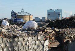 Abrissarbeiten im Gelände des ehemaligen Freiladebahnhofs. Foto: Ralf Julke
