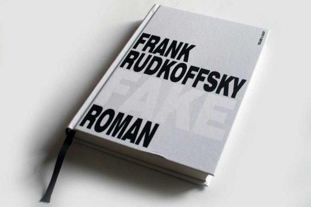Frank Rudkoffsky: Fake. Foto: Ralf Julke