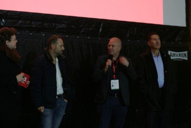 Kim Busch (DOK Leipzig), Markus Vetter, Produzent Christian Beetz, und WEF-Manager Murat Sönmez (v.l.) Foto: Sebastian Beyer